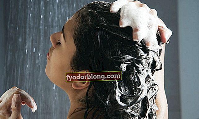 Näin tapahtuu, jos peset hiuksesi kylmässä vedessä