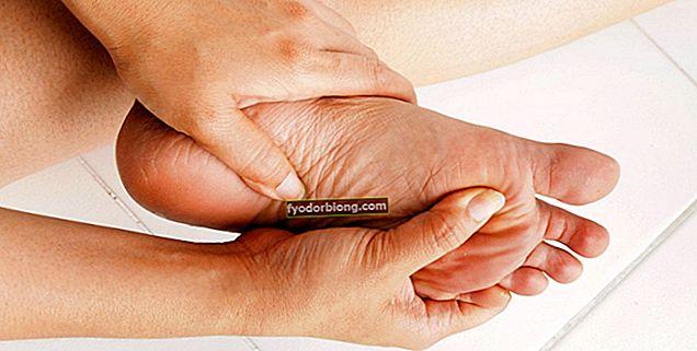 Tørre fødder - Årsager, behandling og hydrering opskrifter