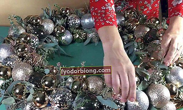 Kā pagatavot Ziemassvētku vainagu, gandrīz neko neiztērējot