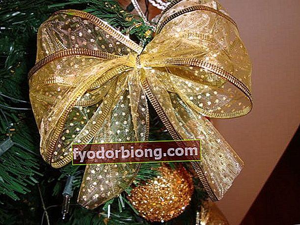 Πώς να φτιάξετε ένα χριστουγεννιάτικο τόξο για να συμπληρώσετε τη διακόσμηση σας