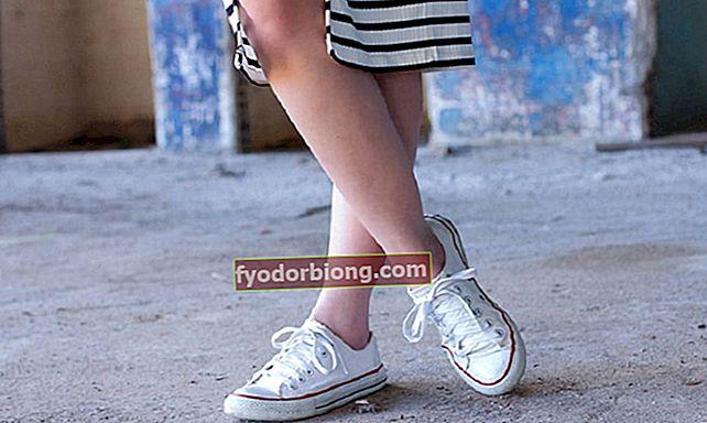 Sådan kombineres hvide sneakers med dit udseende