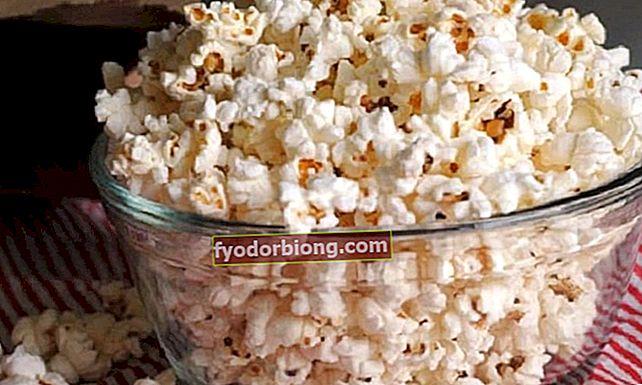 Lær hvordan man laver popcorn uden olie i mikrobølgeovnen